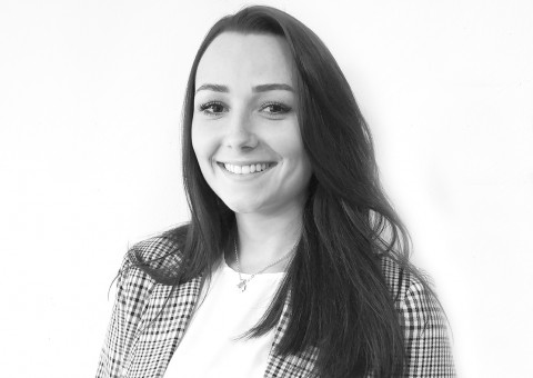 Herzlich Willkommen! Gerne begrüssen wir unsere neue Assistentin Immobilienbuchhaltung, Frau Carole Näf